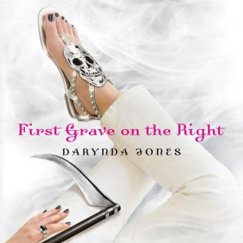 First Grave on the Right - Darynda  Jones Charley Davidson Series